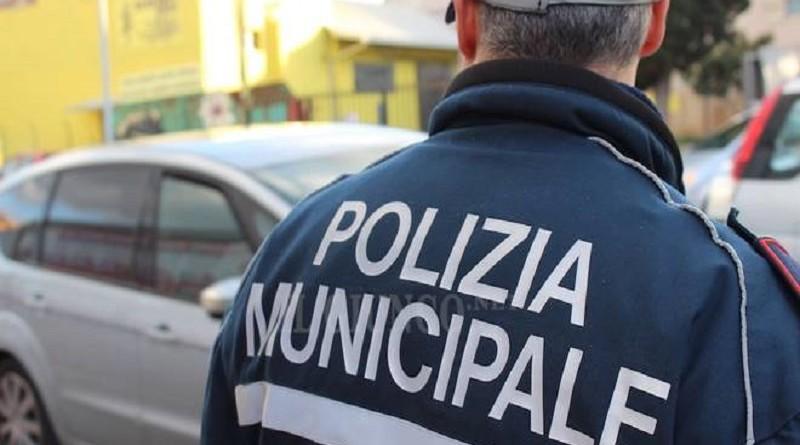 Polizia municipale: primo ordine di allontanamento per accattonaggio molesto