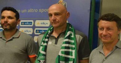 Sidigas, De Cesare ed Alberani presentano il nuovo coach: ecco Nenad Vucinic
