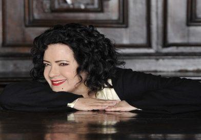 """Antonella Ruggiero presenta a Torre Del Greco il concerto """"Cattedrali"""""""